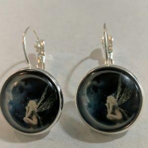 Jewelry - NIP Moon fairy Earrings